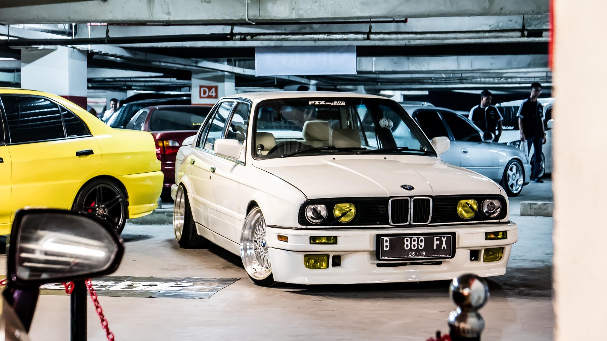 BMW E30  by gettinlow