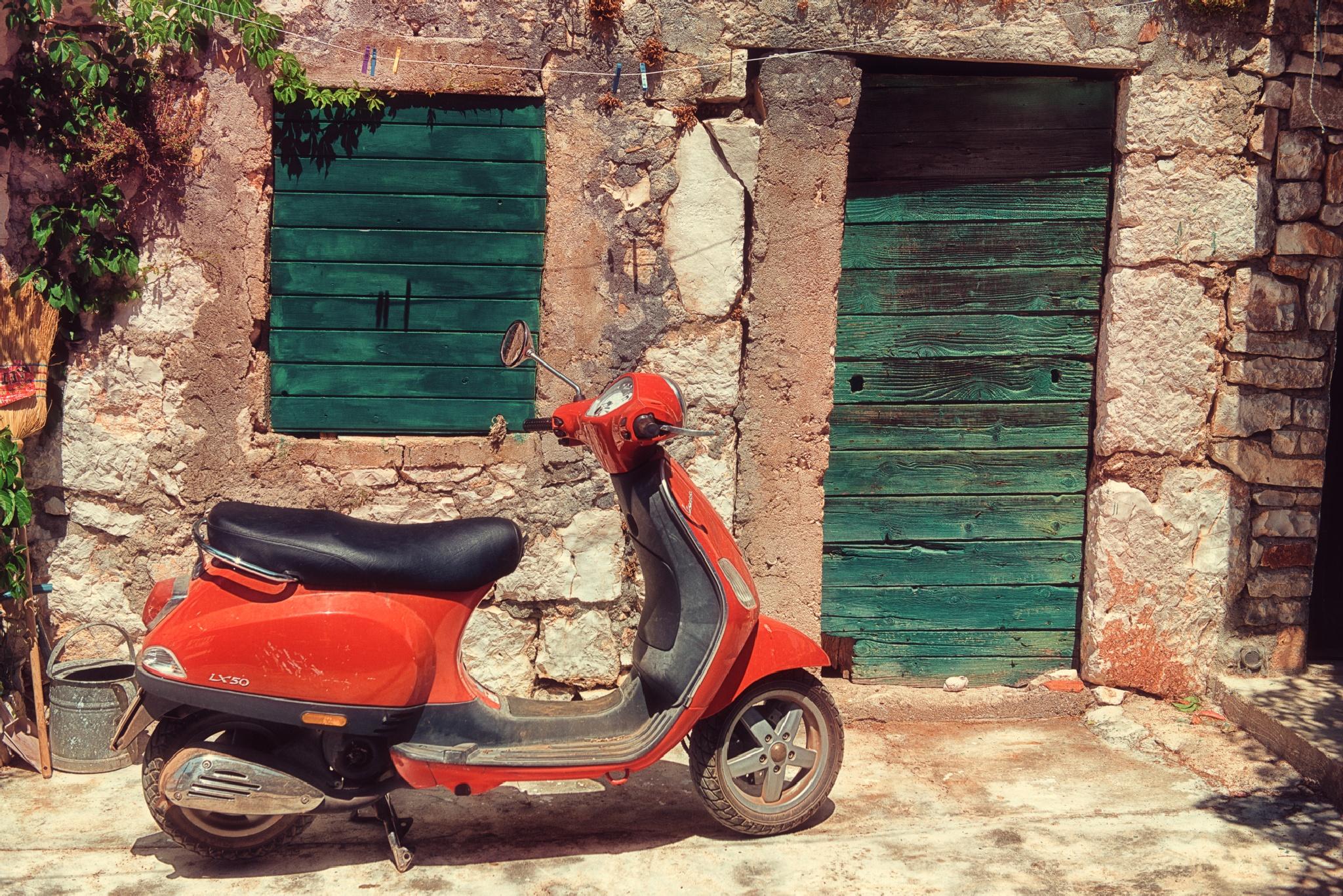 Motorin Scooter by Romanski