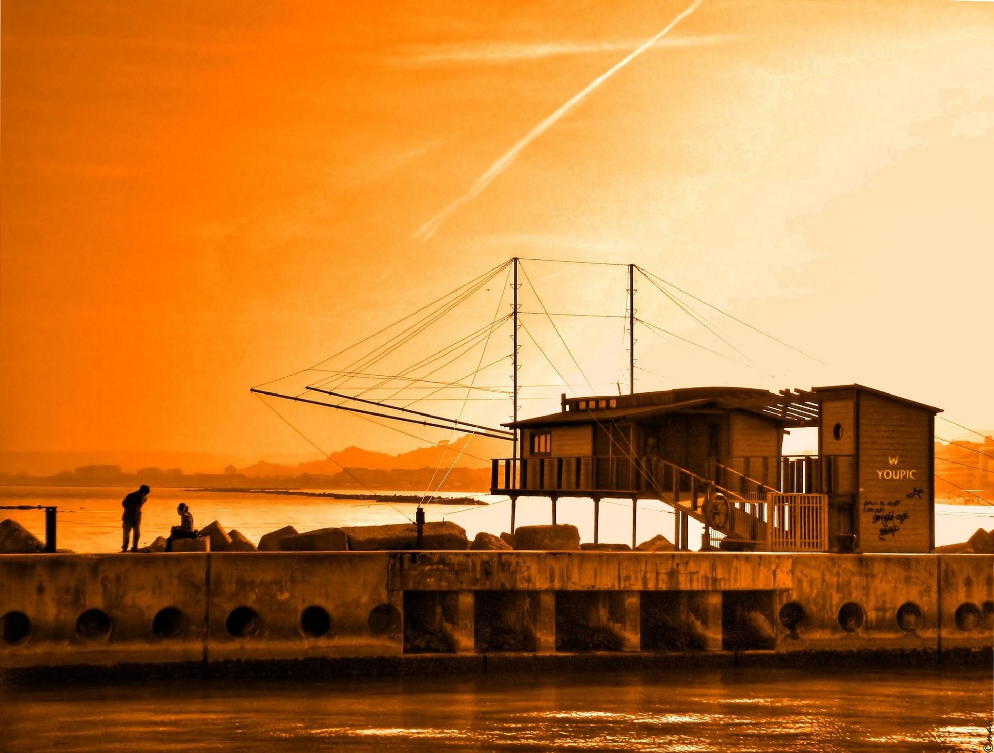 hut for fishing with overflow --- casotto per la pesca con il trabocco by Mariano Arizzi Novelli