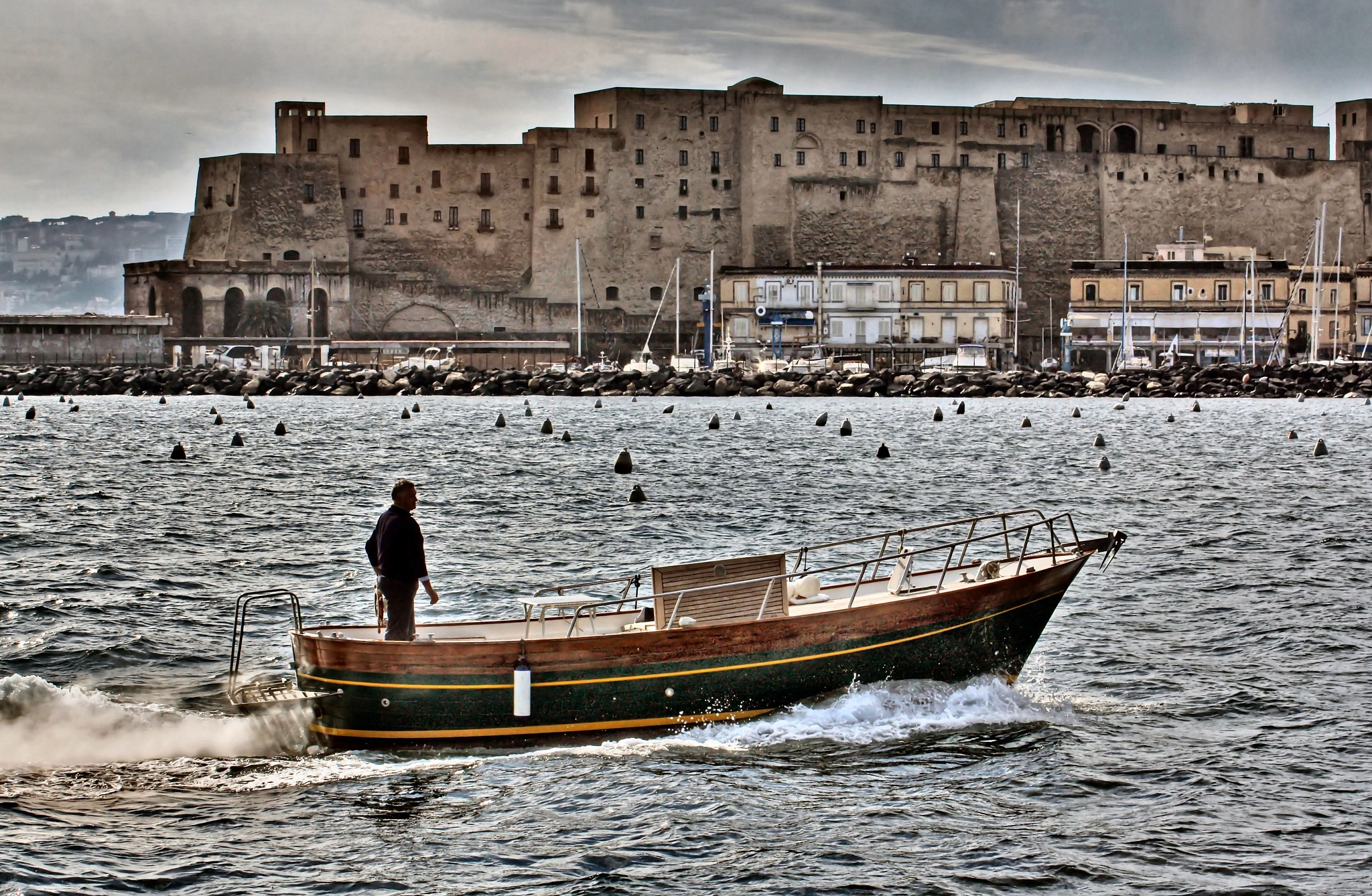 The return of the fisherman - Castel dell'ovo - Naples by Mariano Arizzi Novelli