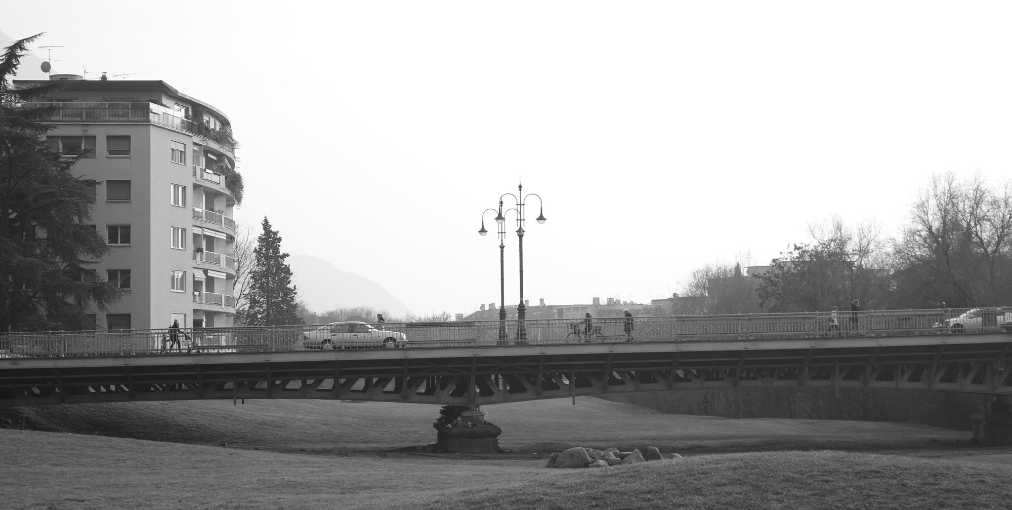 ponte in citta' by Carla Rossignoli