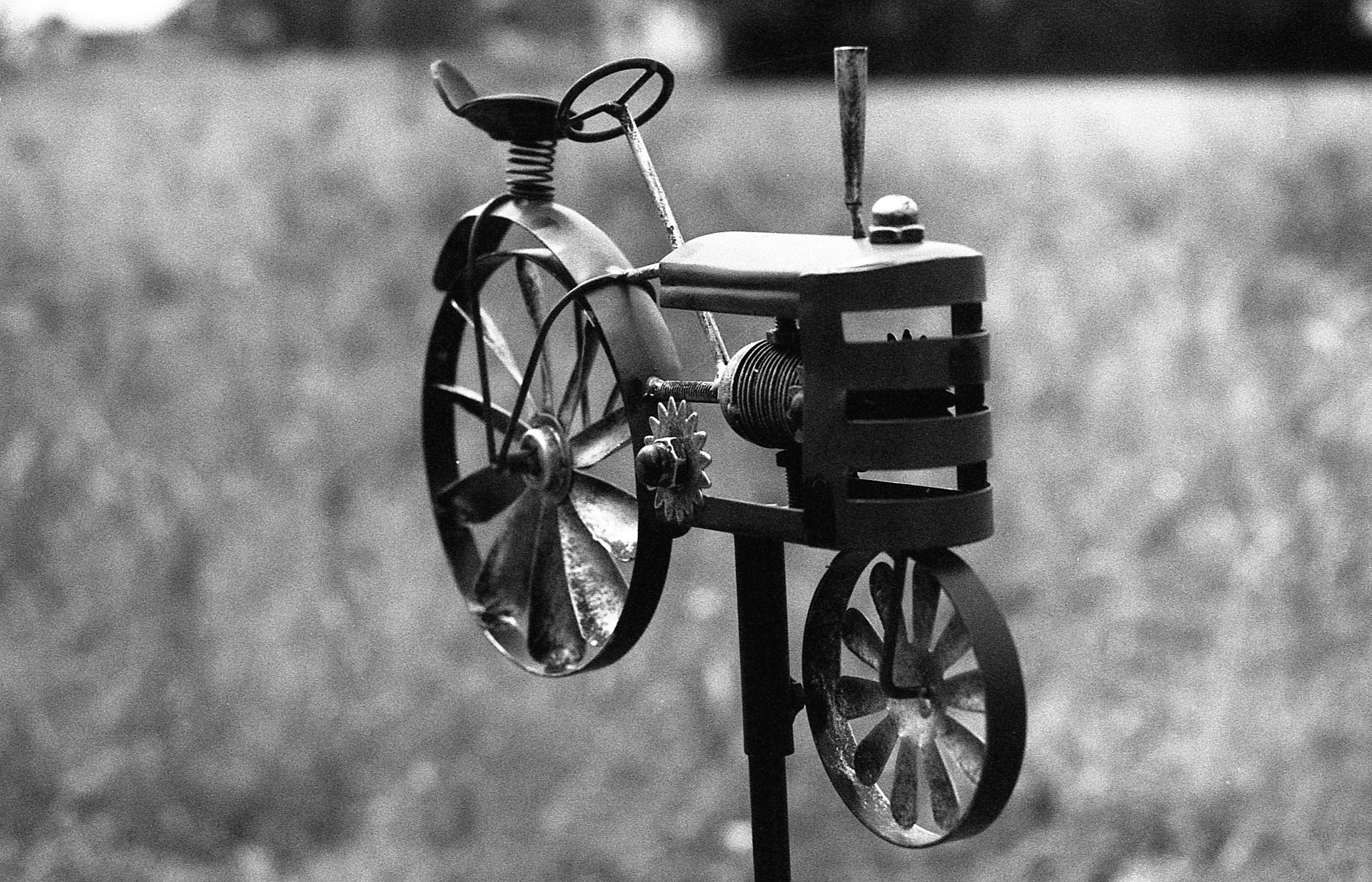 Traktor by Ludwig Thanner