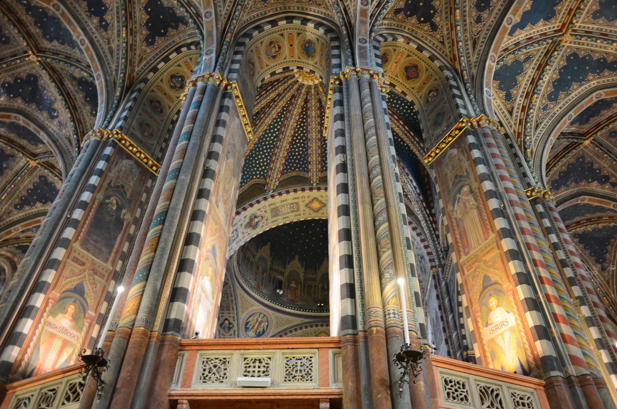 Basilica of S.Antonio, Padova, Italy by Pete Hussey