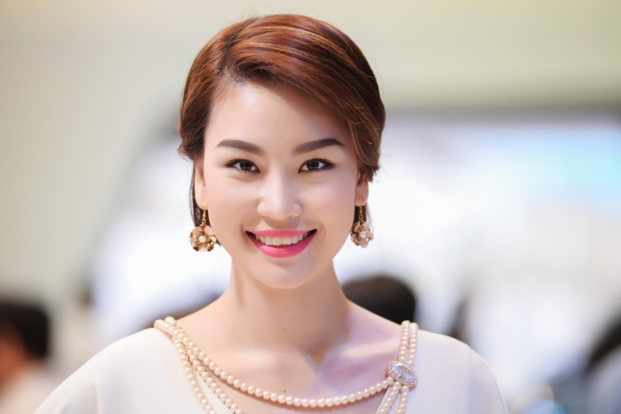 Smiles by Trung Đặng