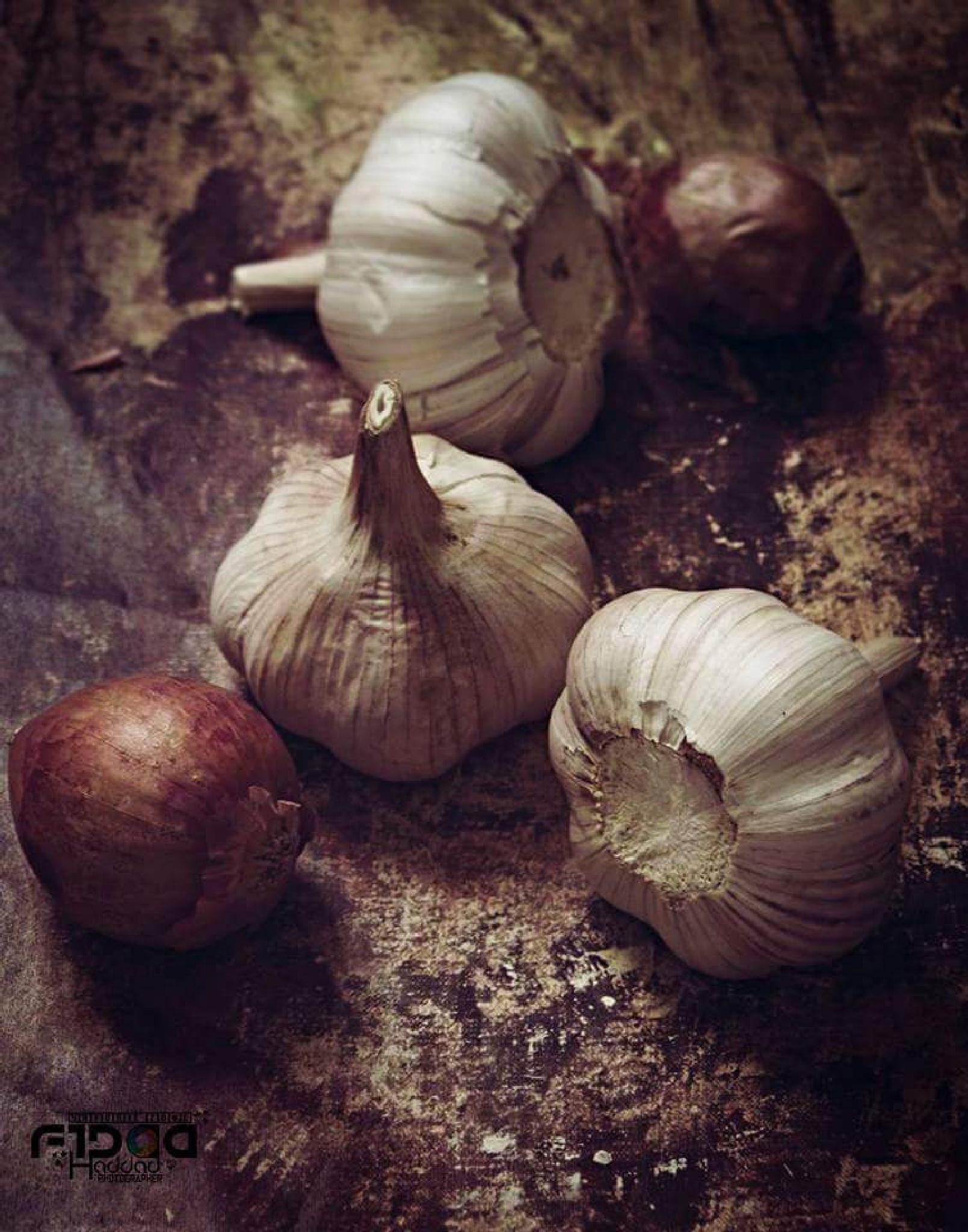 garlic and onion by Fidaa Haddad