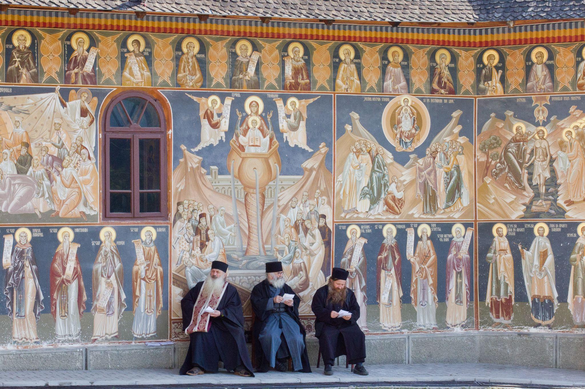 Manastirea Petru Voda  by mihaelagrigore