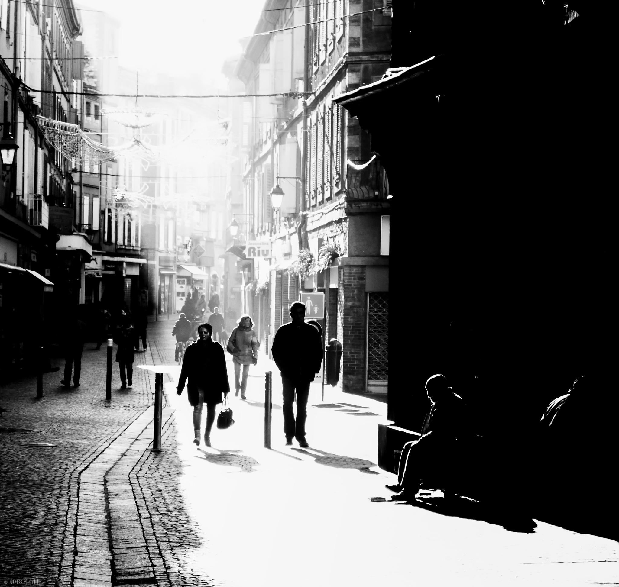 qui sommes nous ? by Sebastien Hernandez