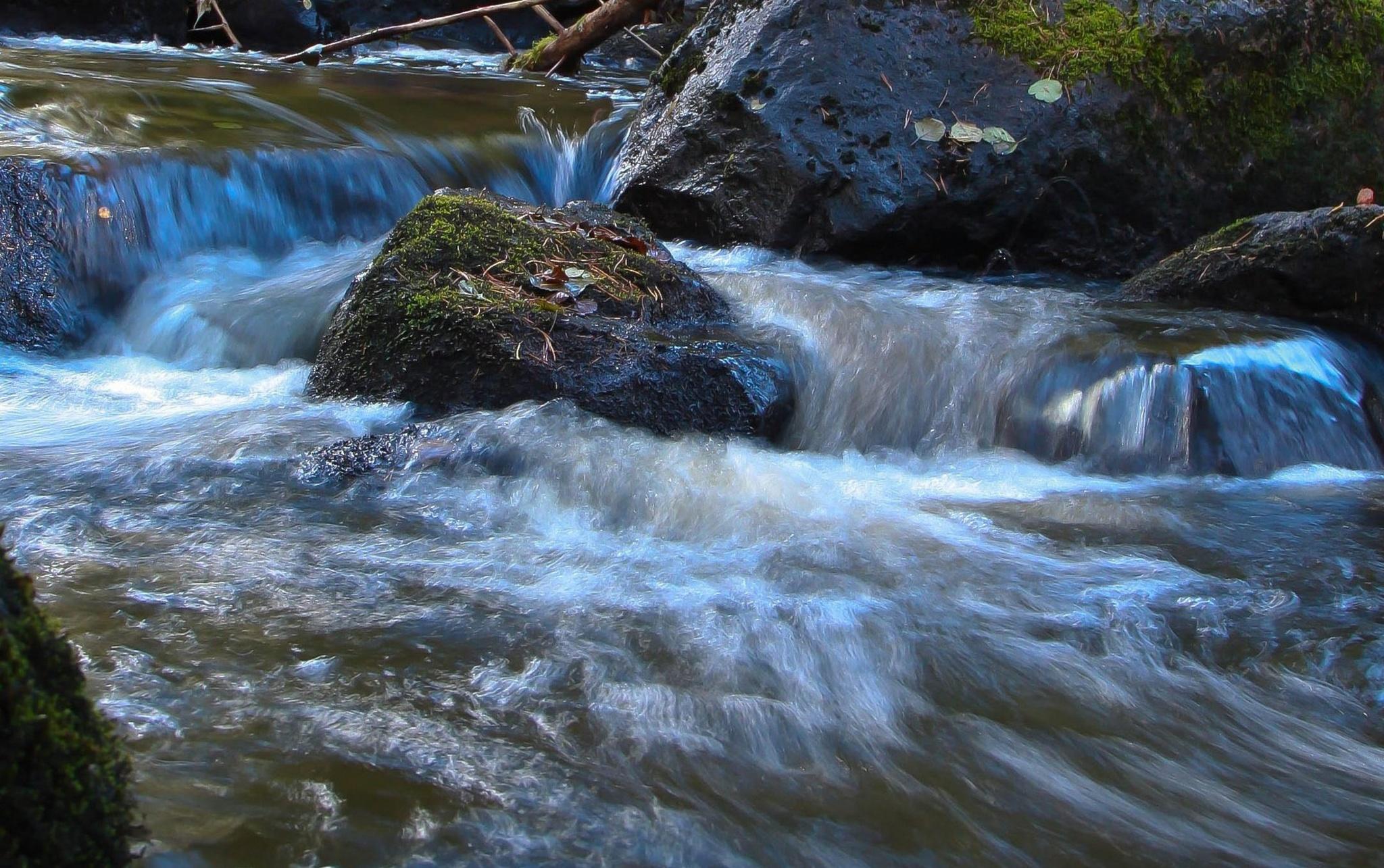 Water by zabazulu