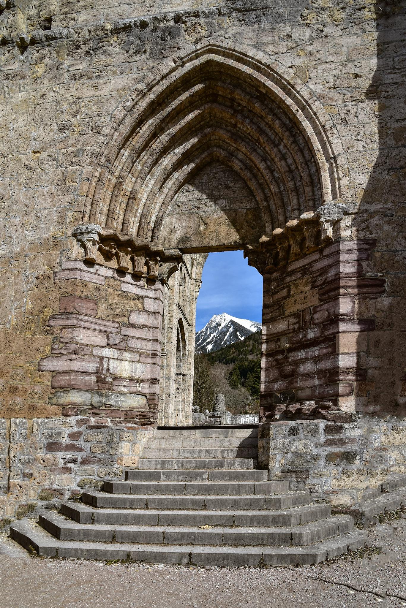 Abbaye by Maurice Maccari