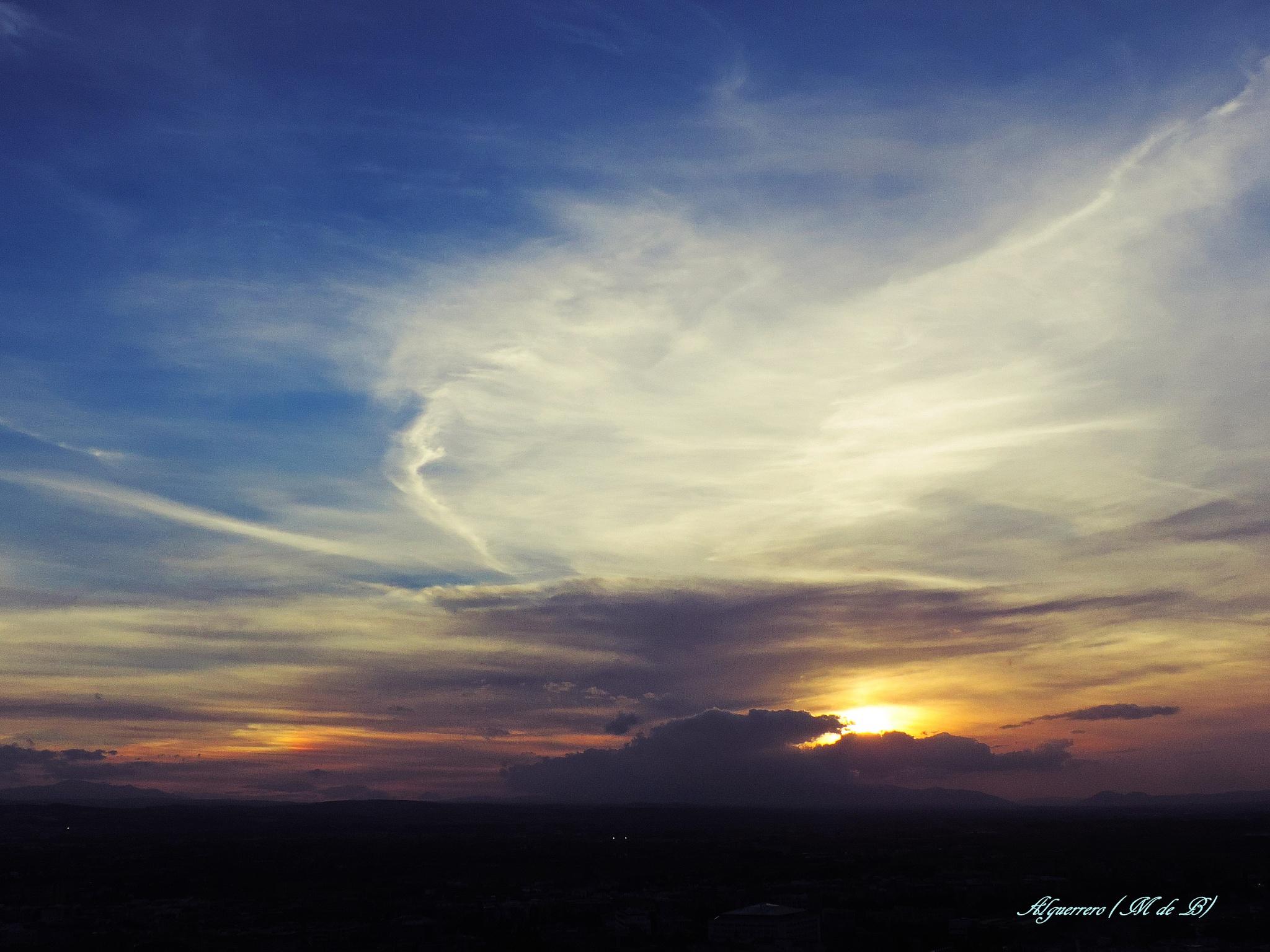 Puesta de sol en Granada. (Sunset) by Angel L. Guerrero.