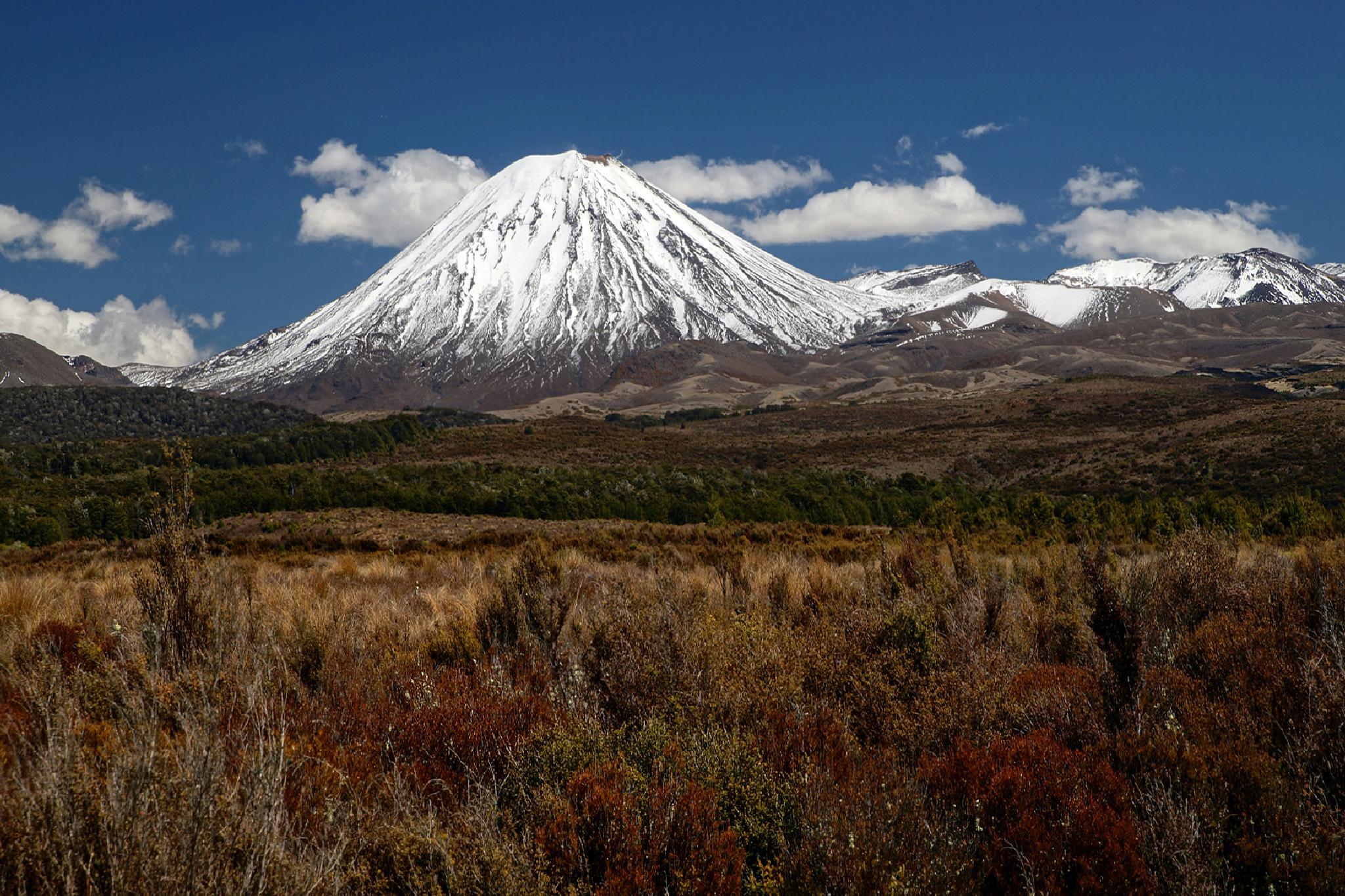 Mt Ngauruhoe by DraganKeca