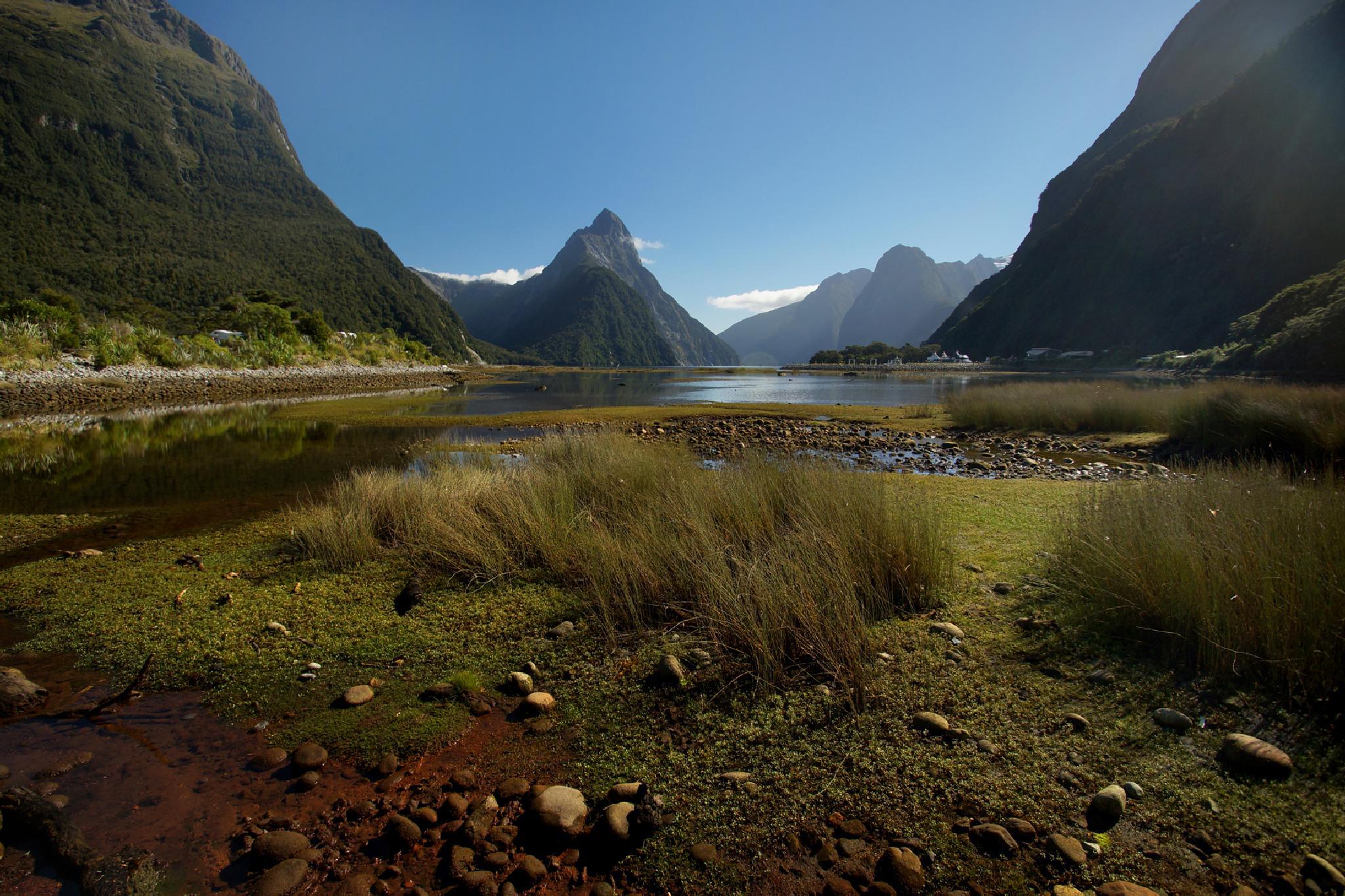 Milford Sound by DraganKeca