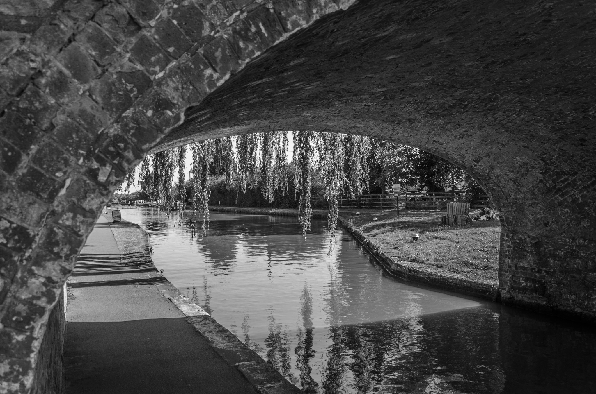 Grand Union canal in mono by Daveboy Fry
