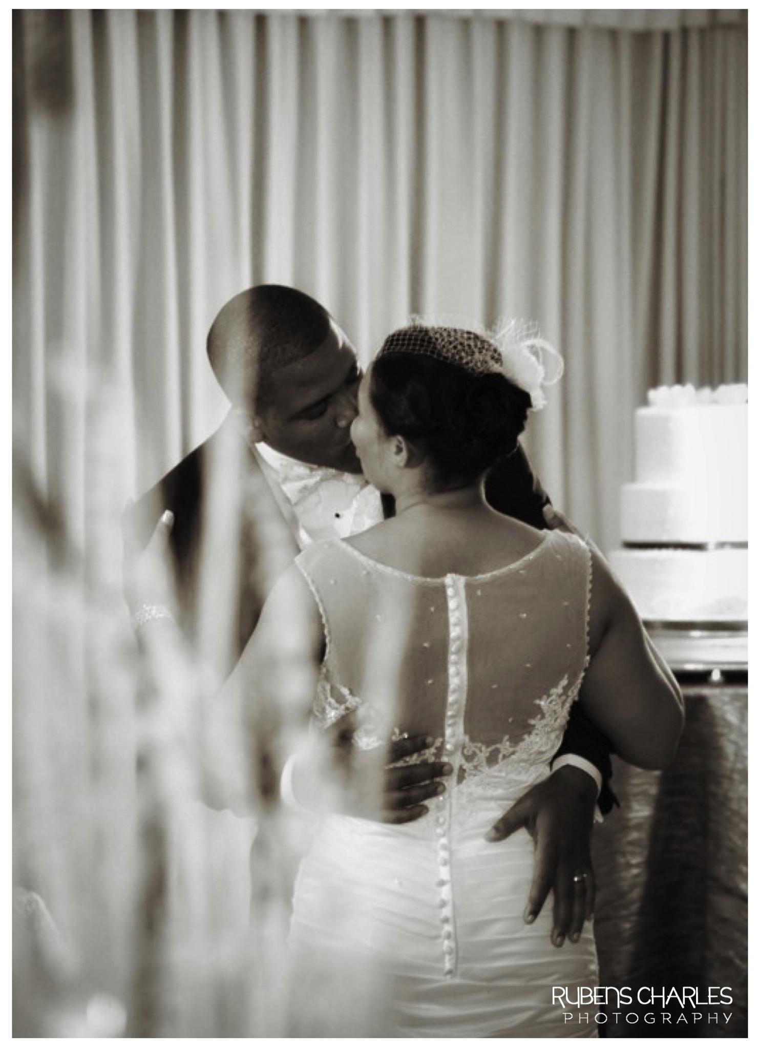Kiss the bride by Rubens Charles