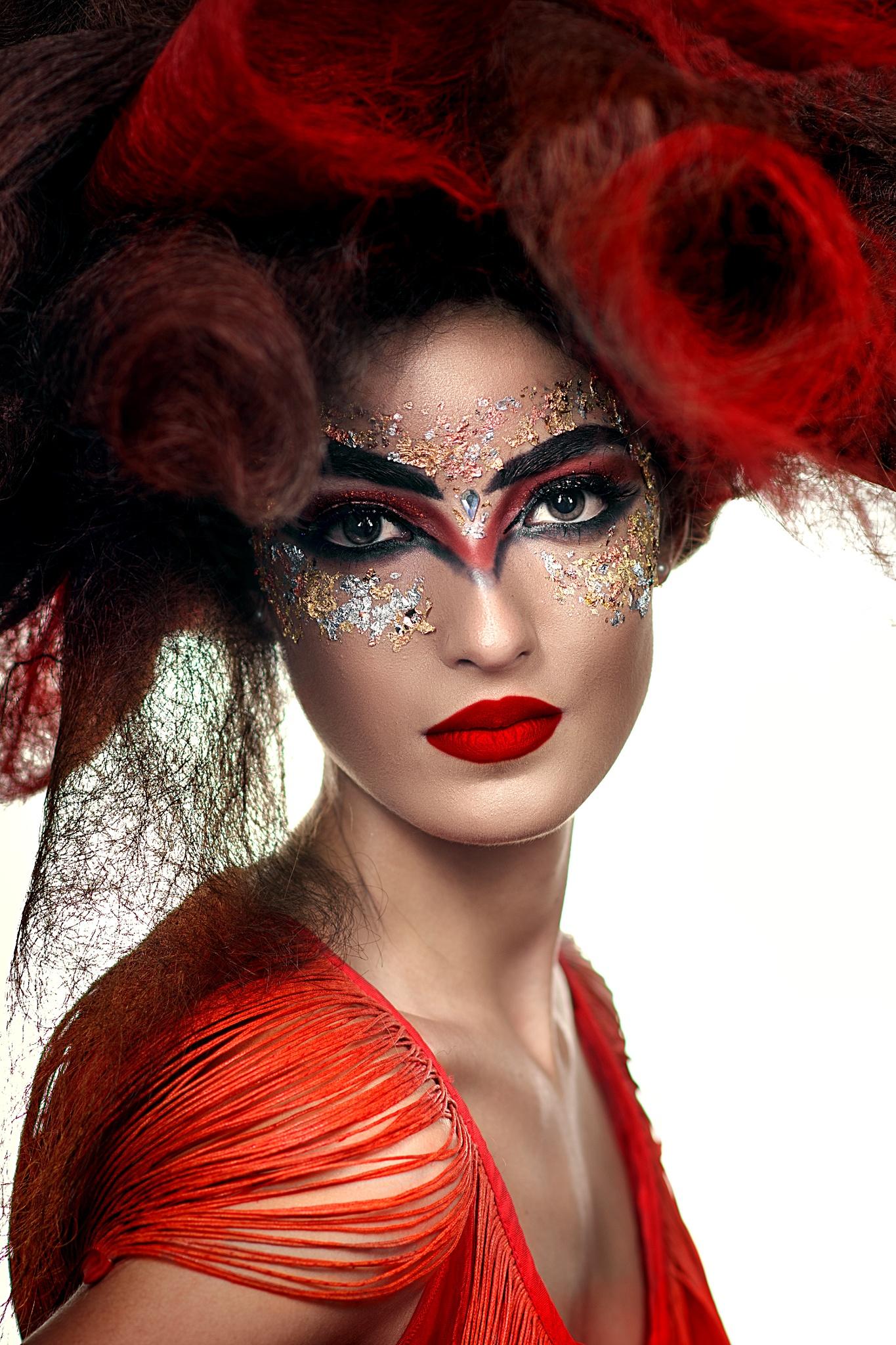 Beauty In Red by eparaskeva