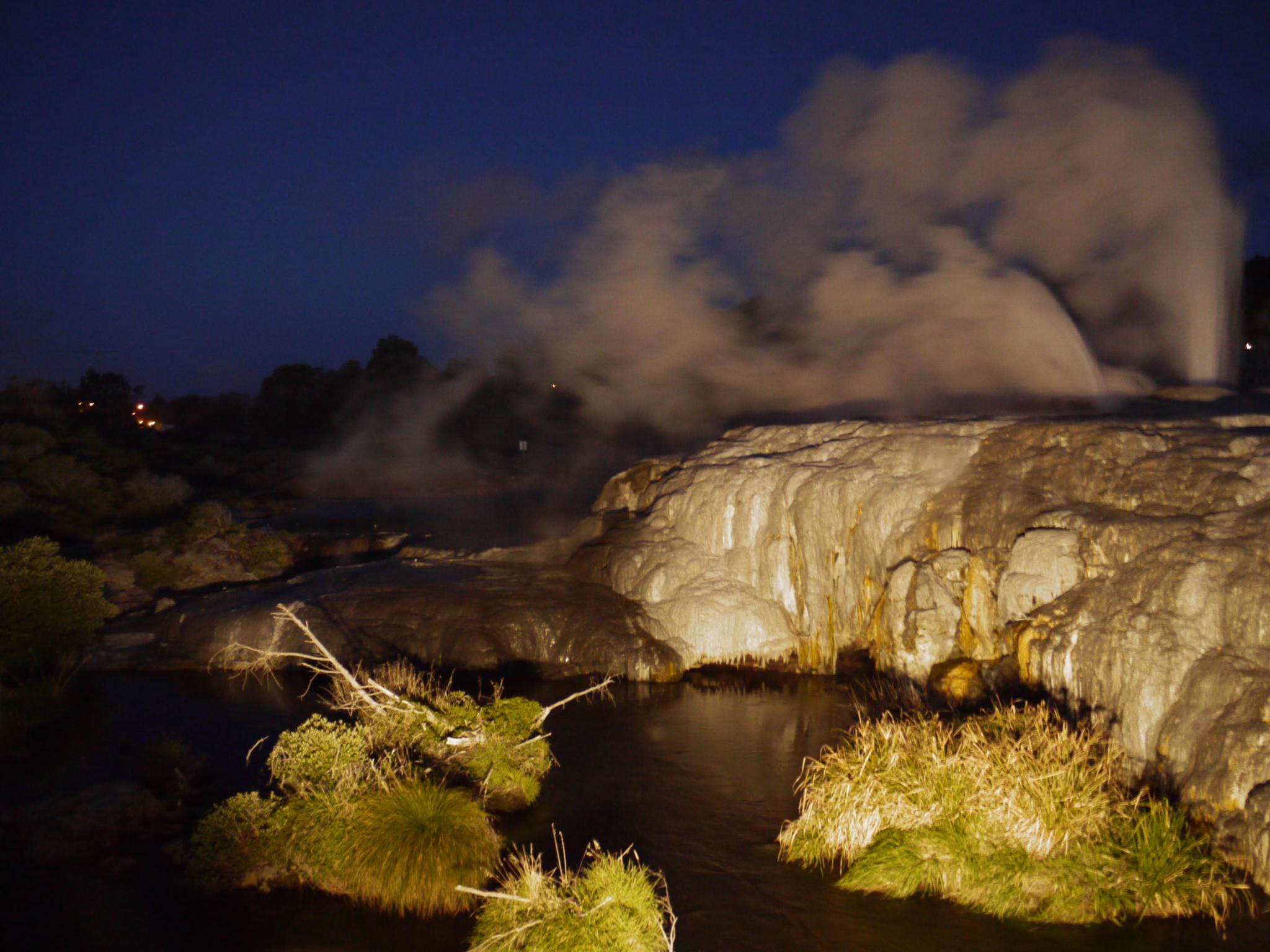Rotorua geyser at night by Stuart51