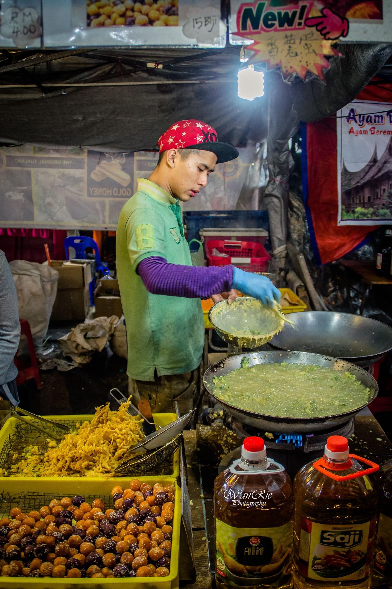 Pasar malam by mohamadsubrimohdnoor