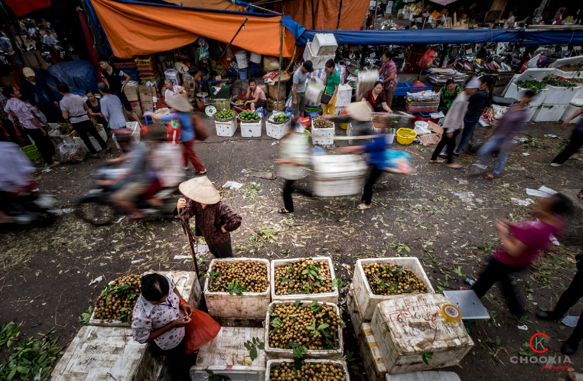 Local Market @ Hanoi,Vietnam by chookia