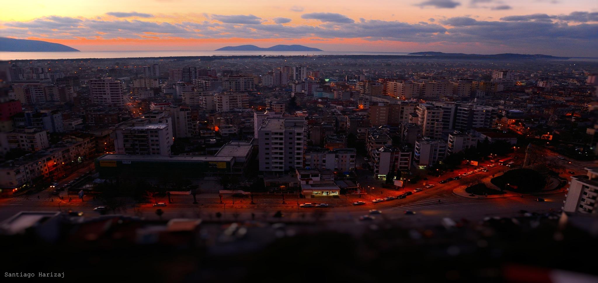 city night by Santiago Harizaj