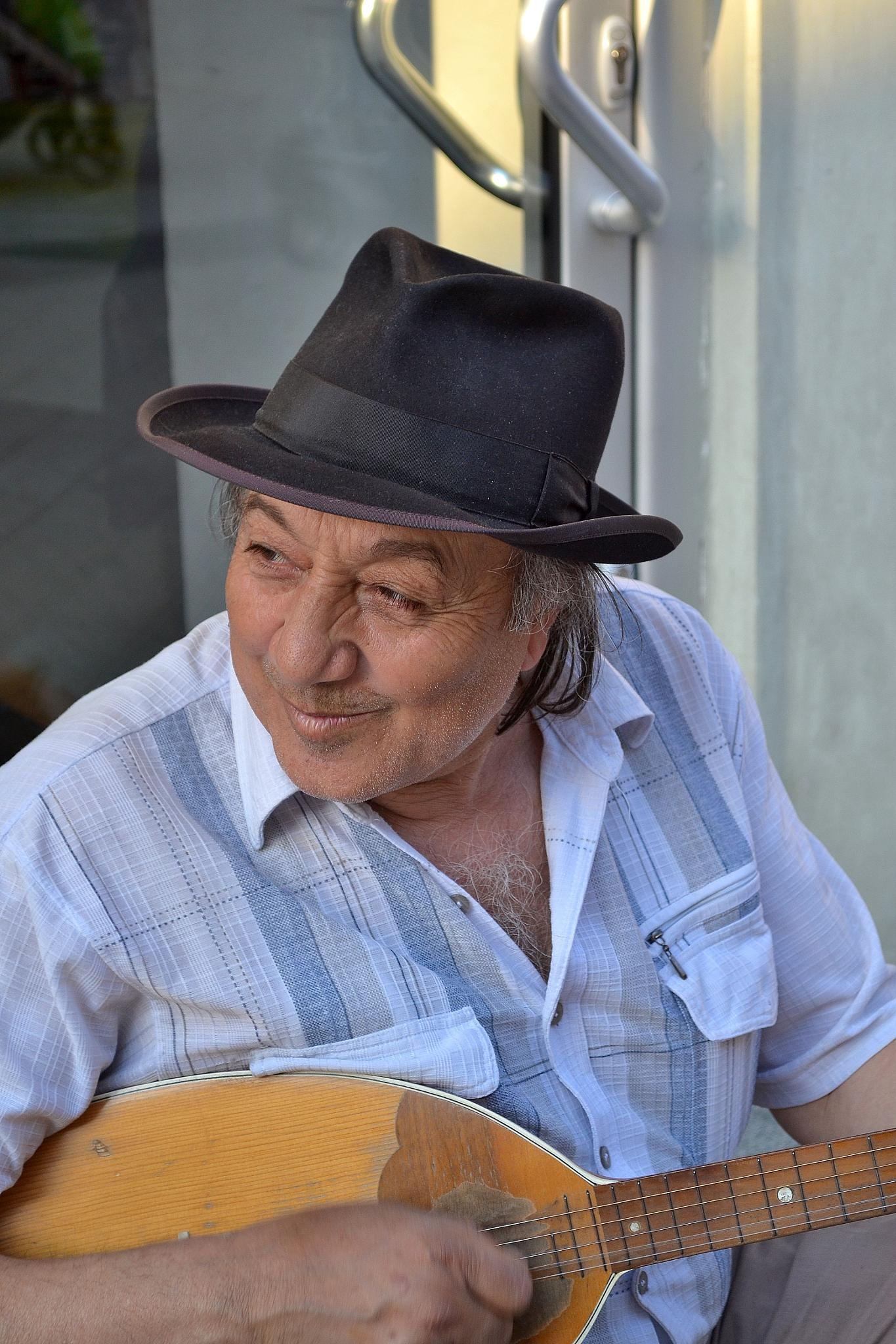 STREET MUSICIAN by tatjanasudicki