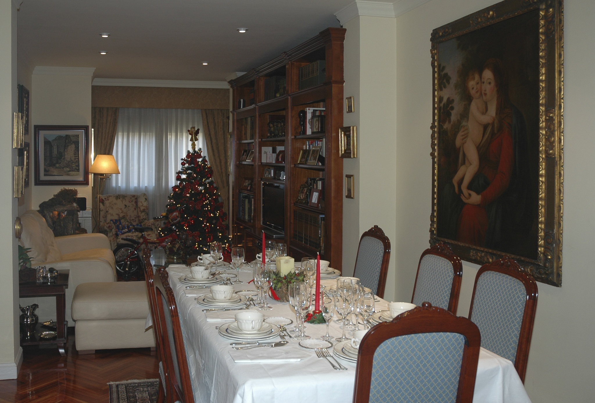 Ready for Christmas lunch by Jose Manuel Navarro