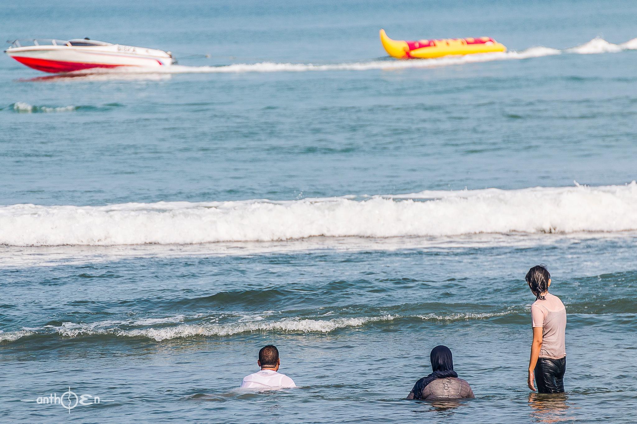 "look that "" Banana Split move on the Beach"" by Anthoen Luciferano Karnanta"