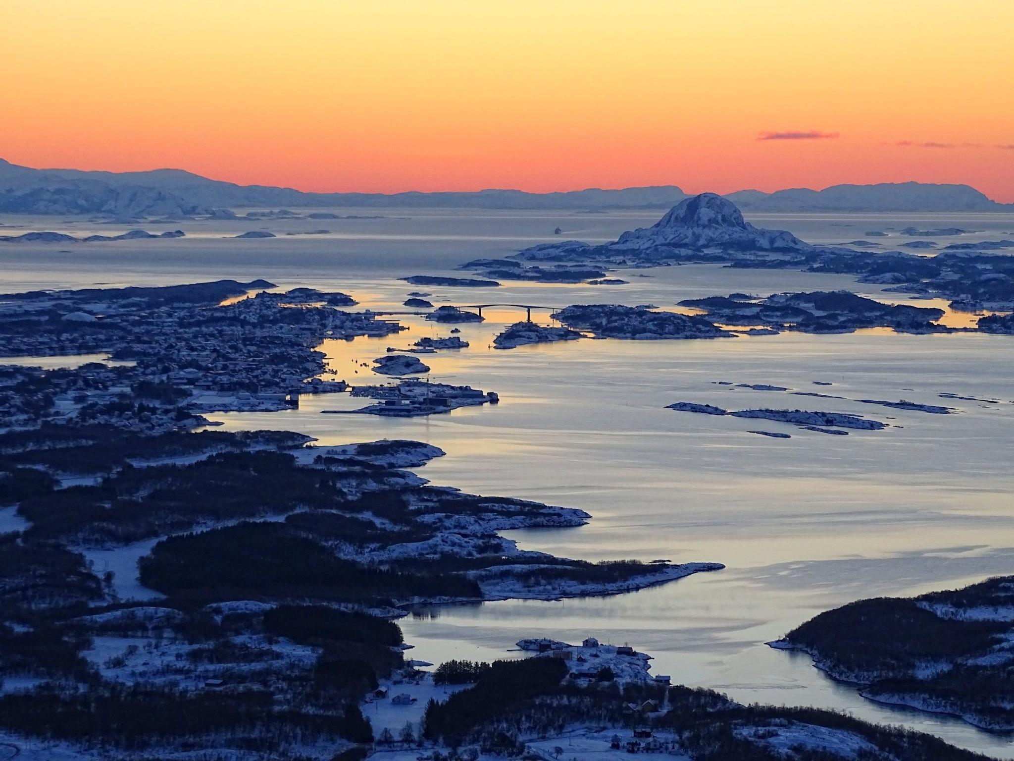 Noon in Northern Norway by Bjørn Christian Tørrissen