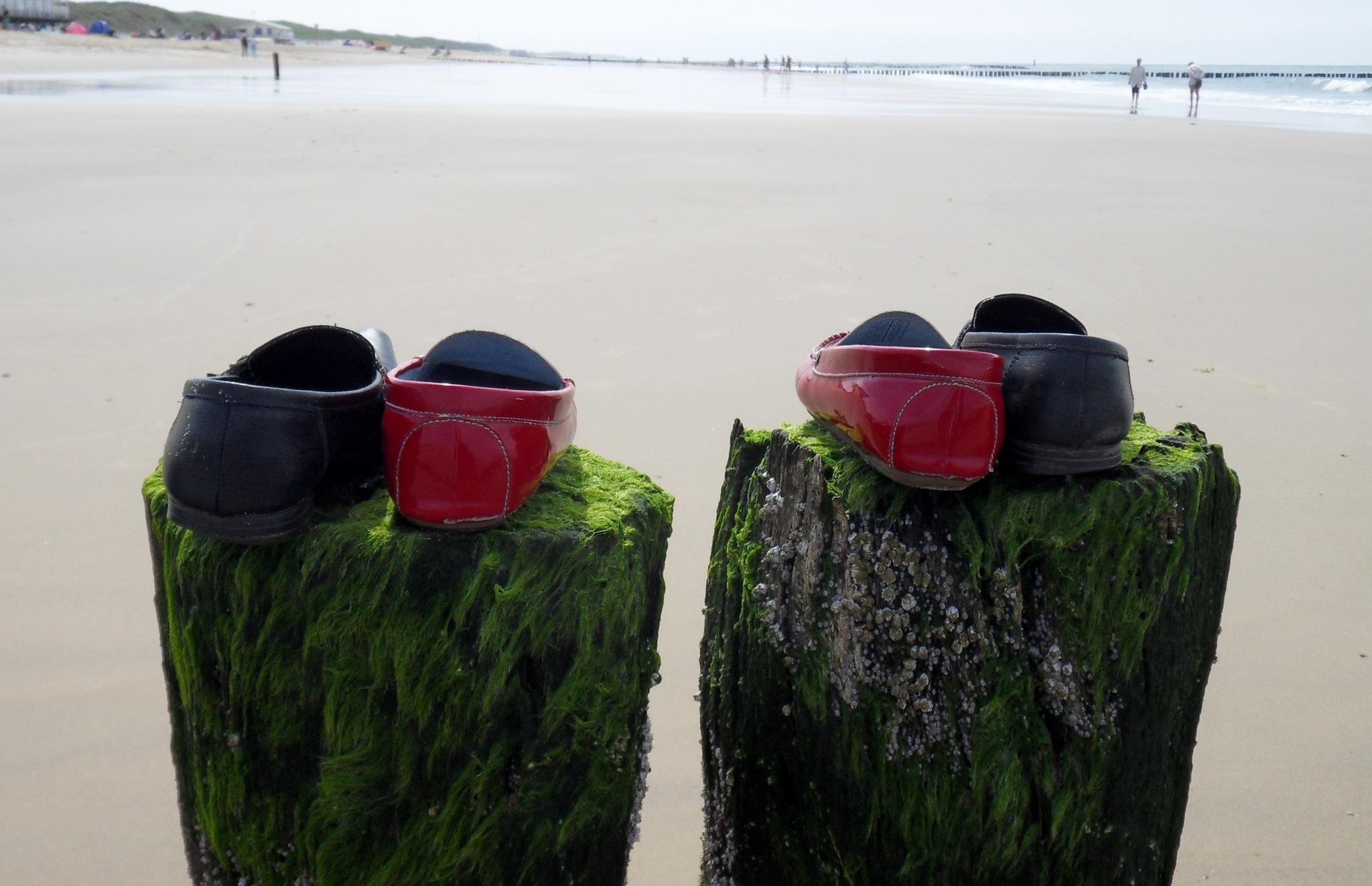 Beach Memories IV by Barbara Bumm