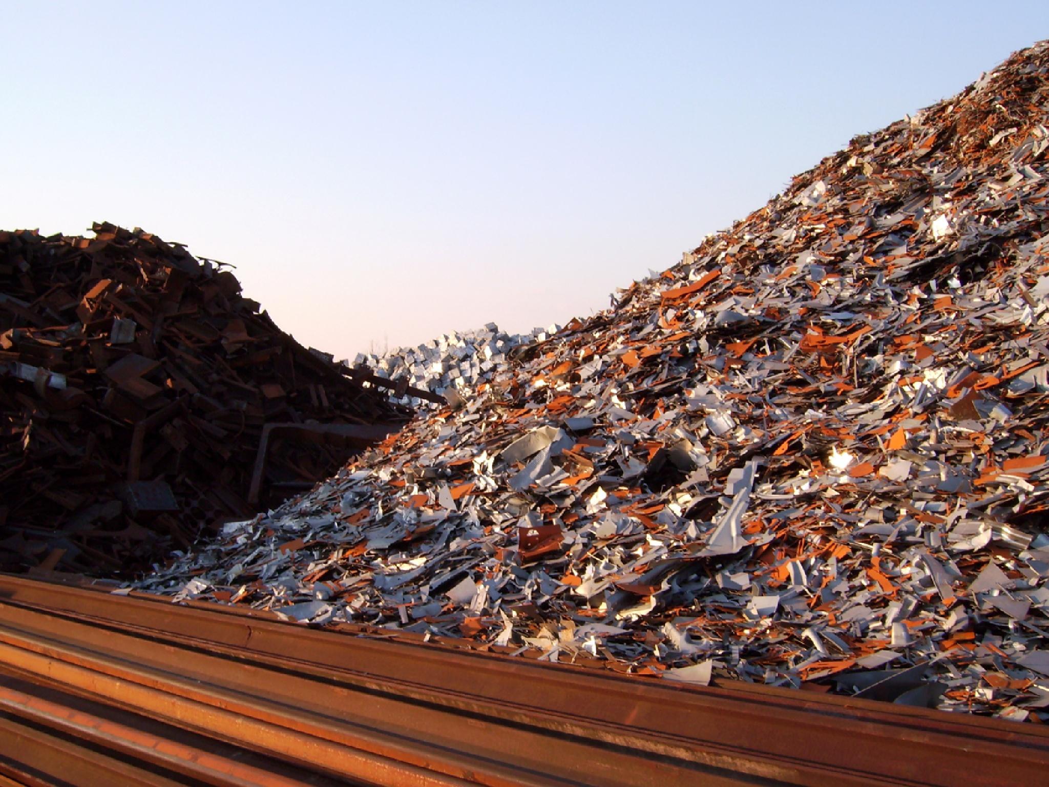 Trashy landscape by Barbara Bumm