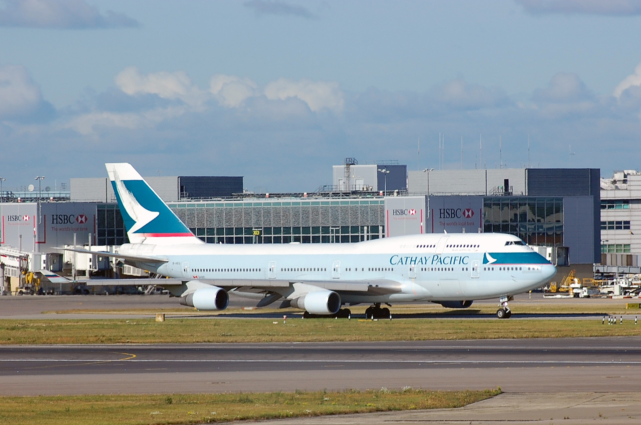 Cathey Pacific 747 B-ARD by homicidal45