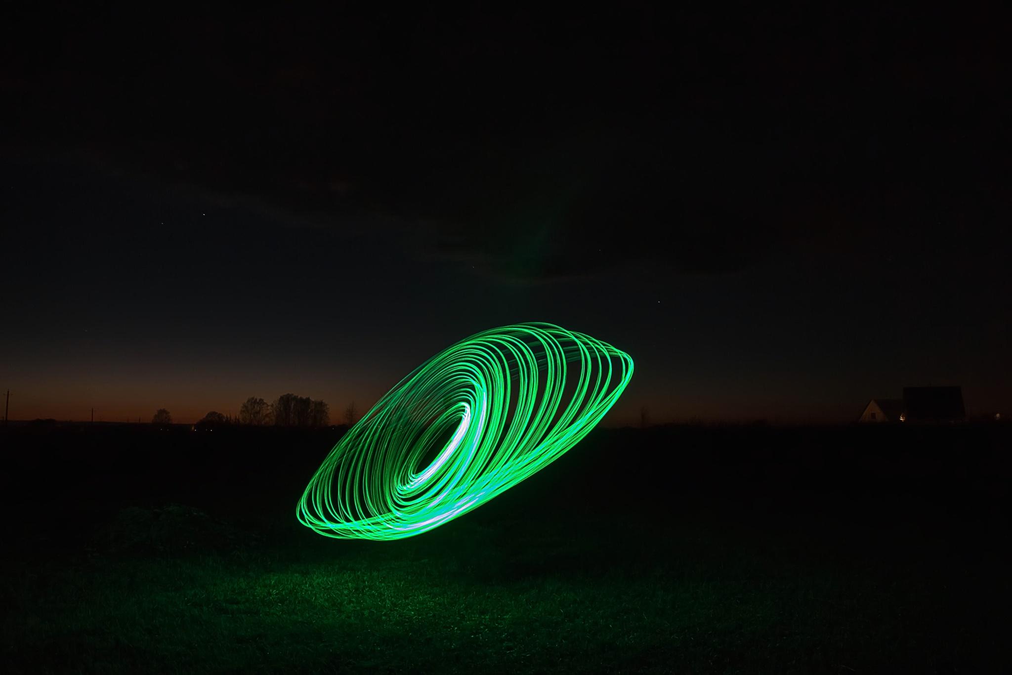 Spin. Green. by Nikolas  Fotos