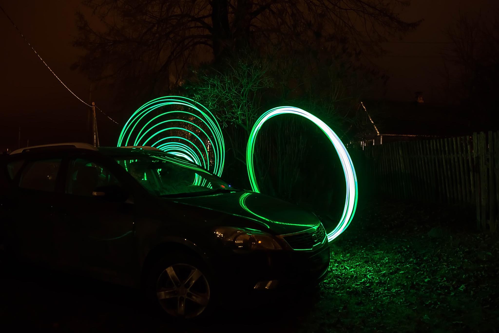 Cars and rings. by Nikolas  Fotos