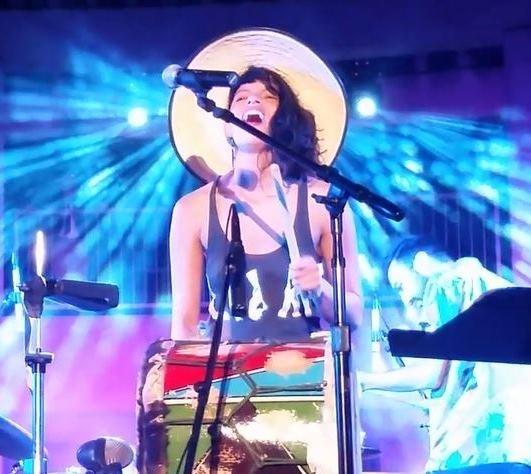 Liliana Conde leads the MAKU Sound Machine by musicfridaylive