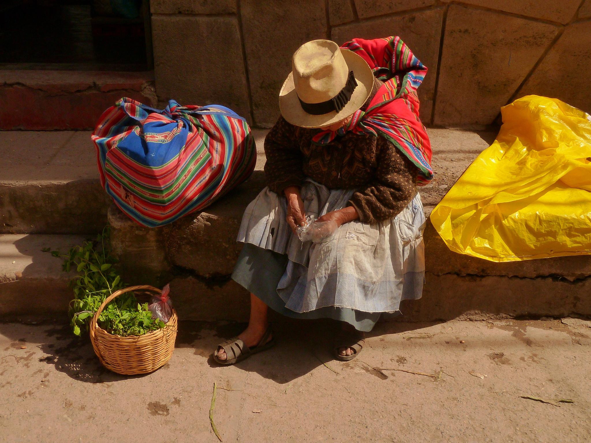 Coca Leaf Medecine / Peru by FredWillem