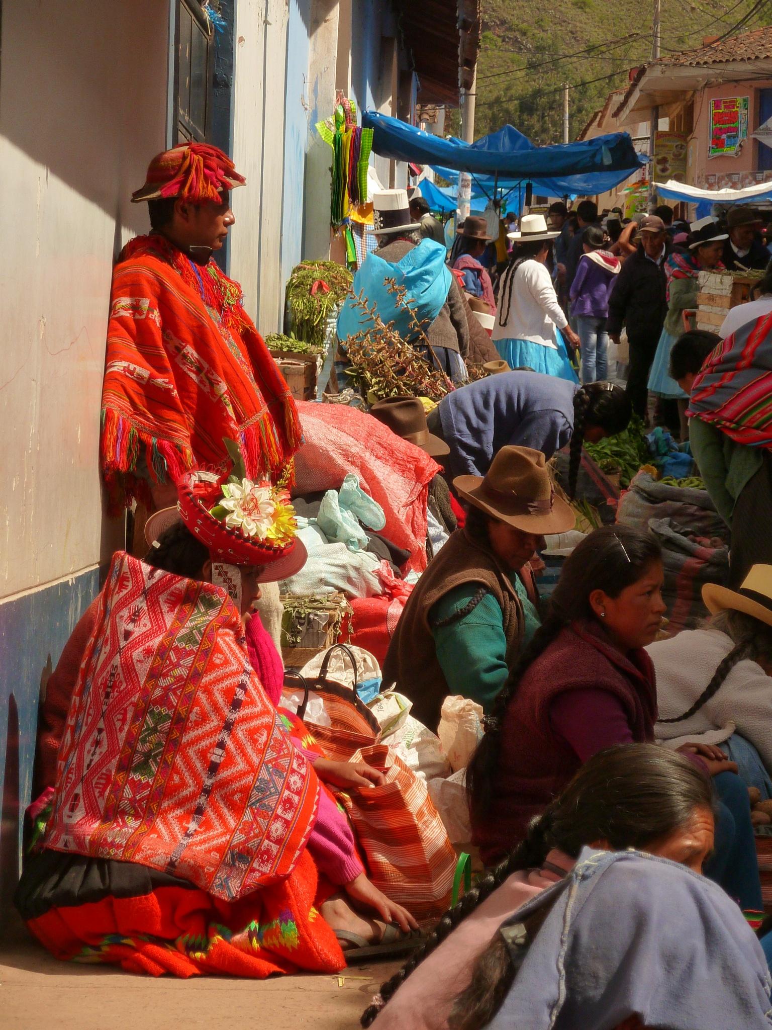 Urubamba/Local Inka Market by FredWillem