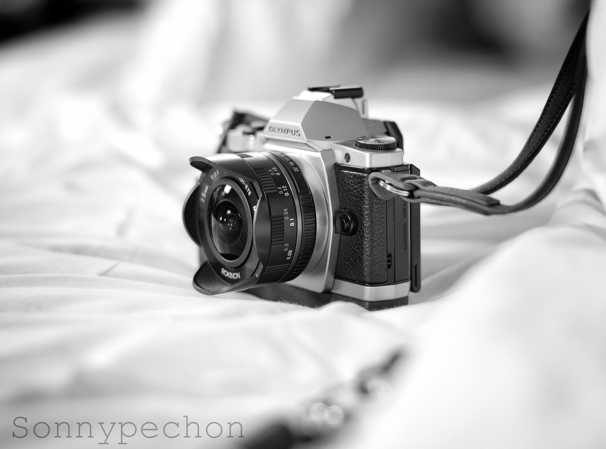Little fella - camera porn by Sonny Pechon