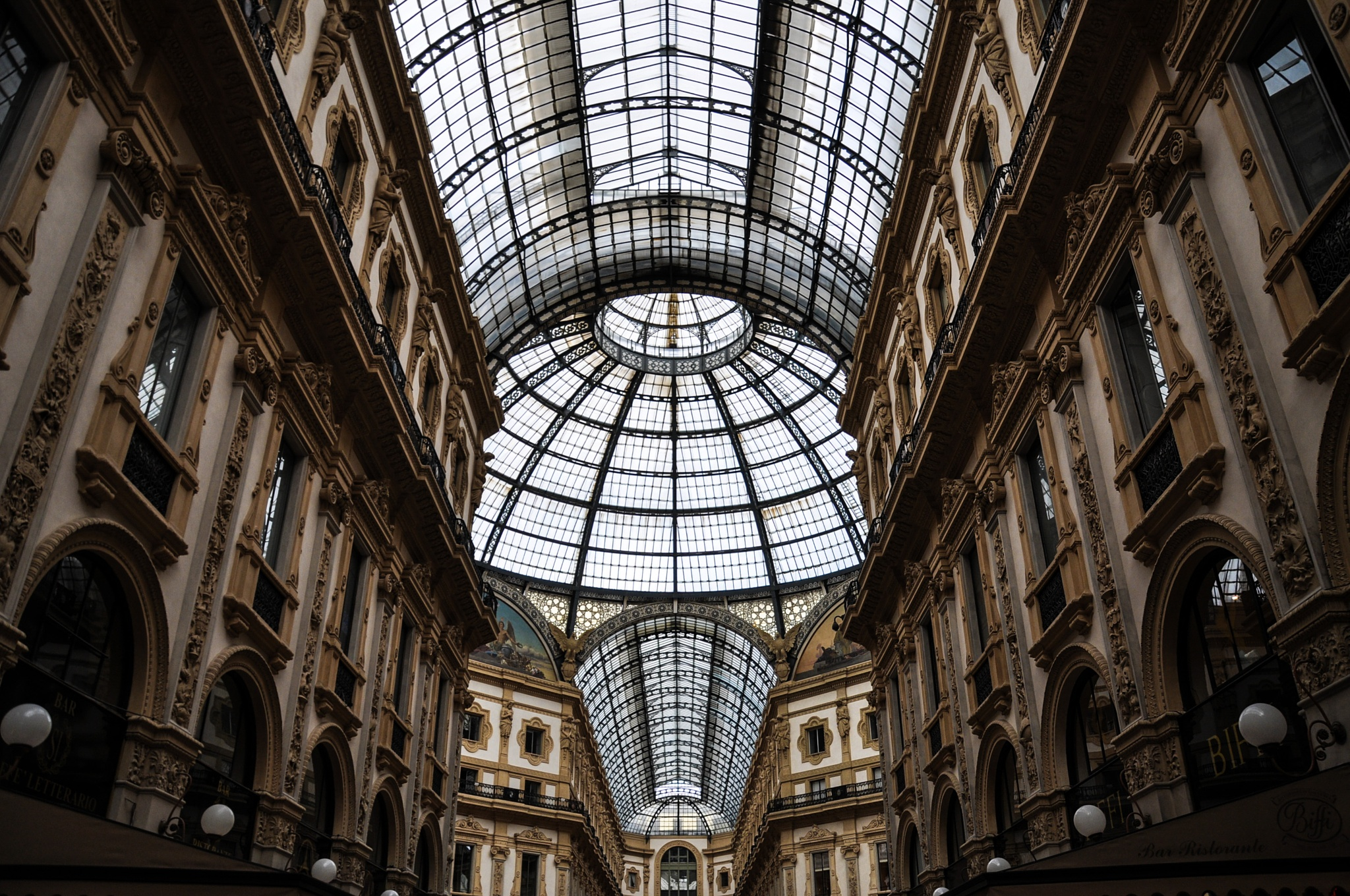 Milan Center by Rudy Tarrazona Guacena