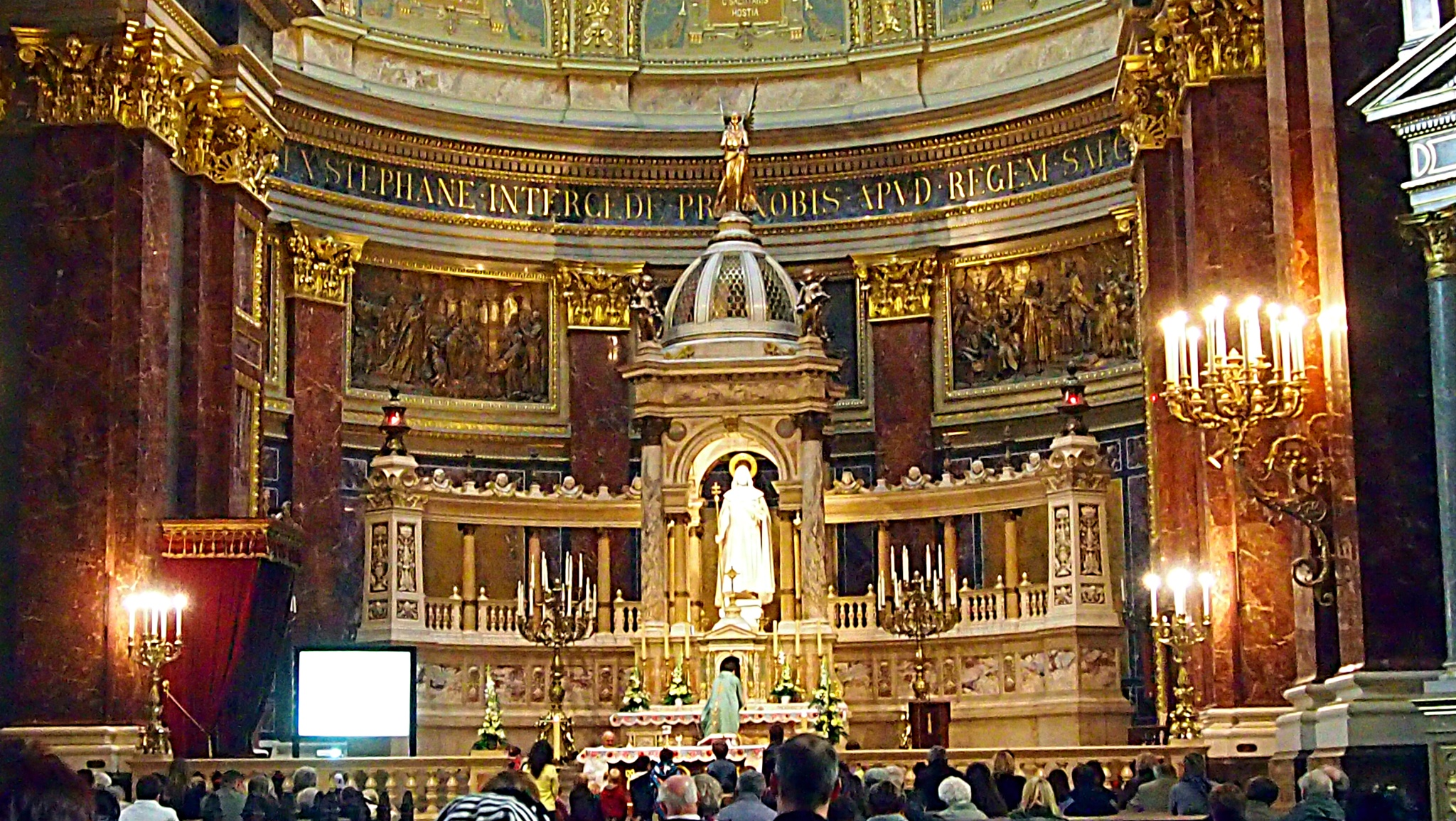Inside the church by Rudy Tarrazona Guacena
