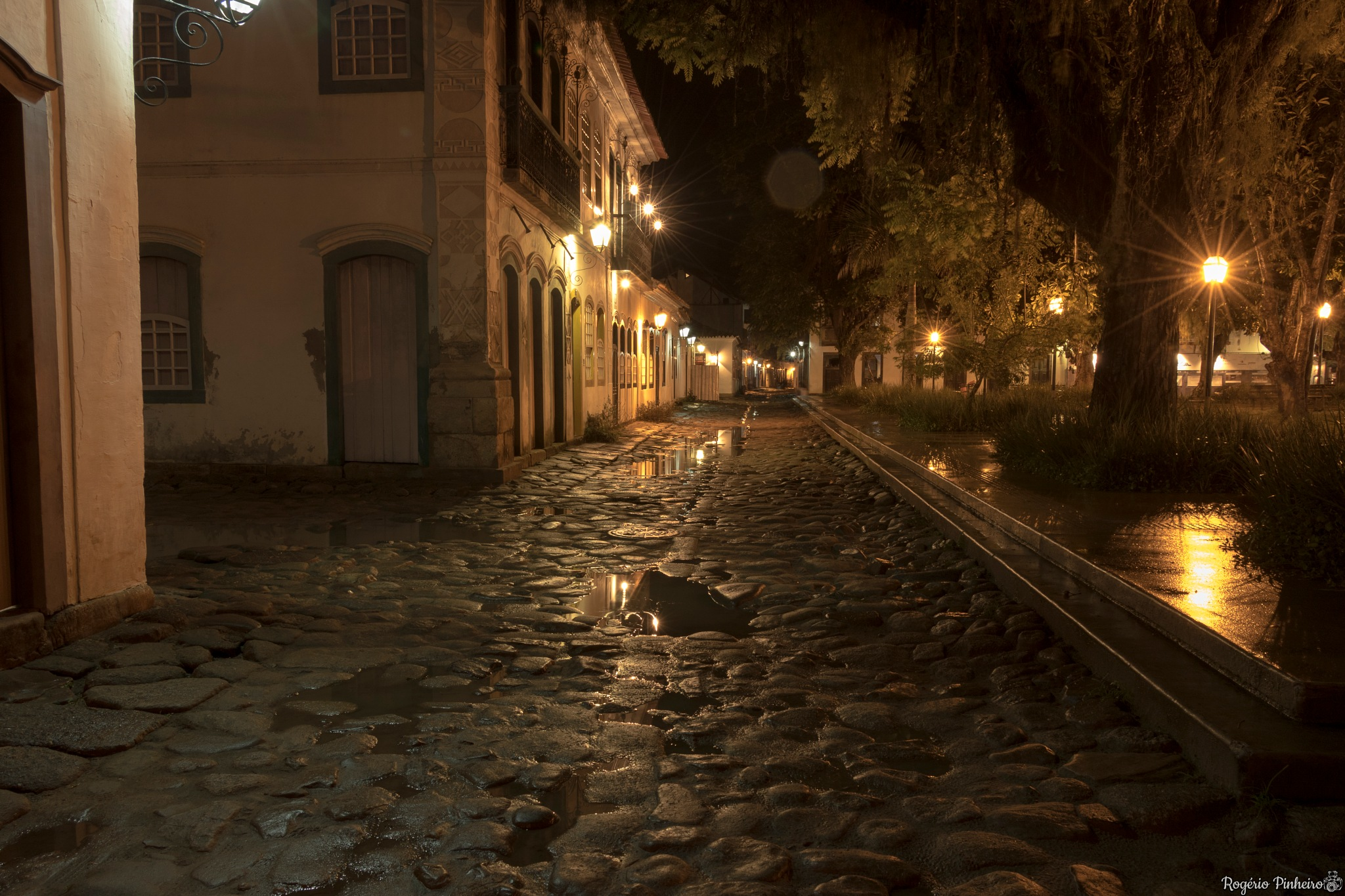 Rua - Street by Rogério Pinheiro