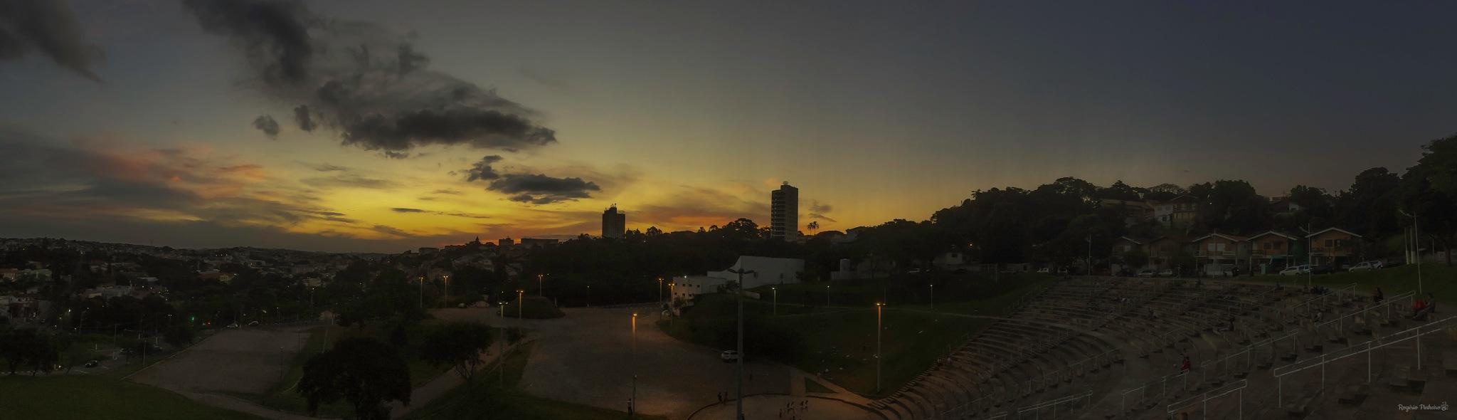 Sunset - Holiday finish by Rogério Pinheiro