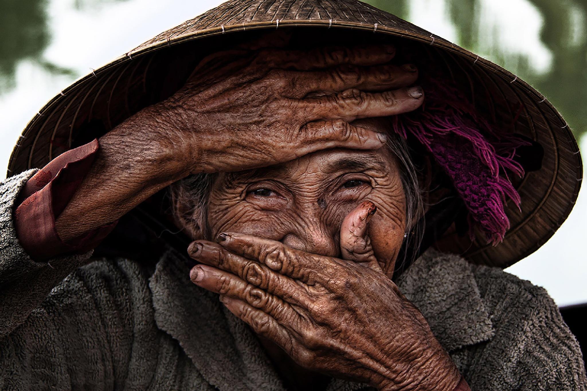 Hidden Smile by Rehahn photography