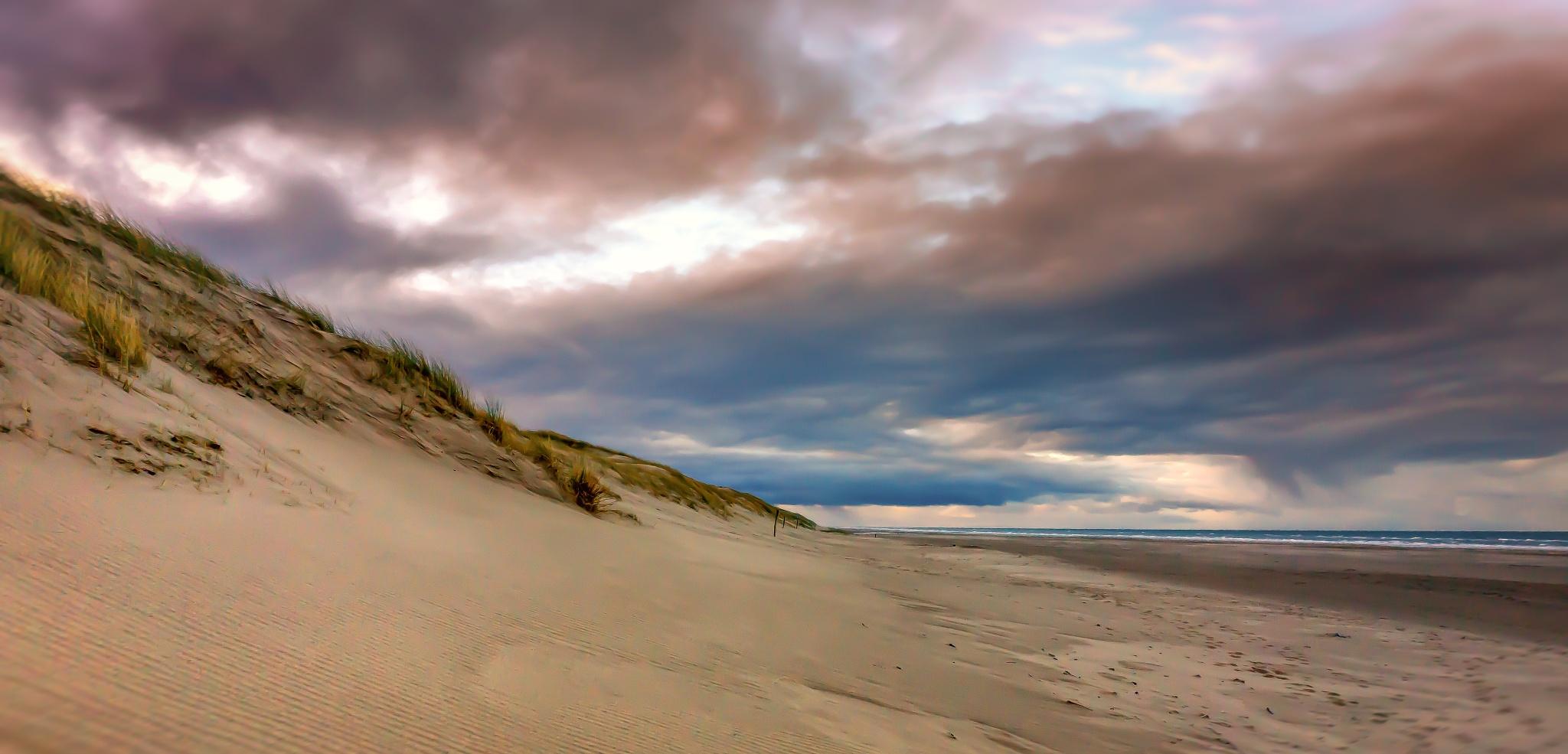Dunes at dawn by Peter van der Waard