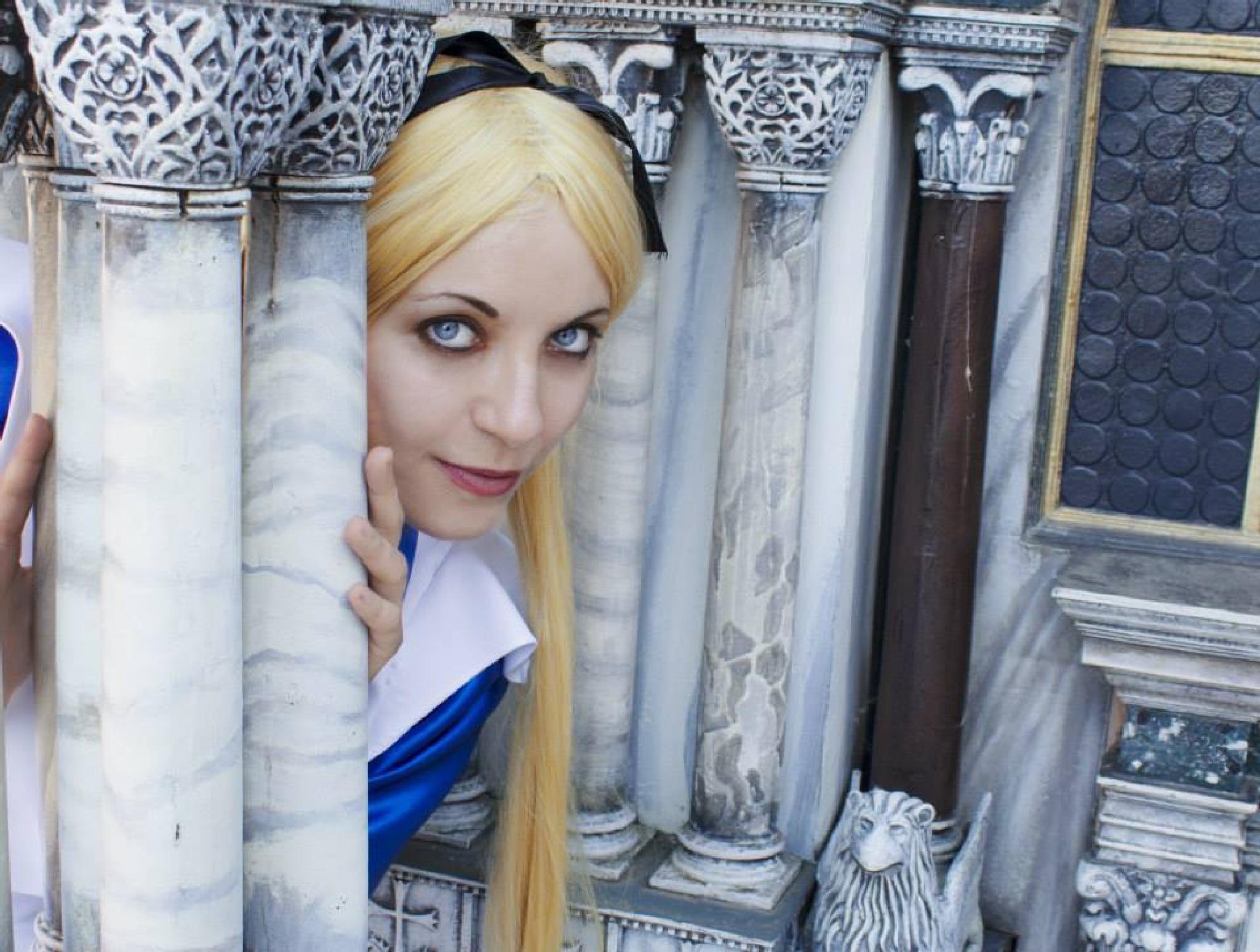 Alice in Wonderland Cosplay by Michela Ofelia Militano
