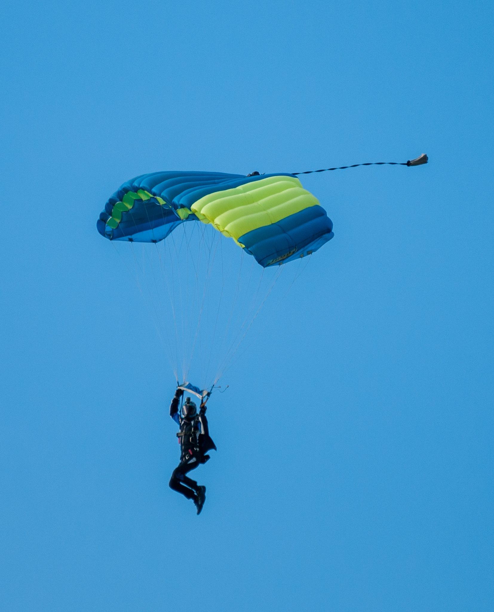 Paracadutista by corvonero
