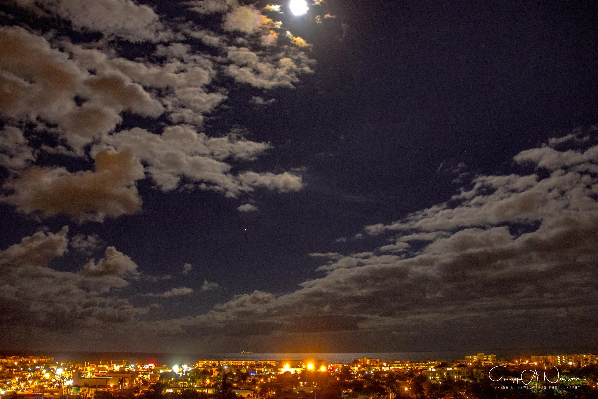 Full Moon by Gnewsom324