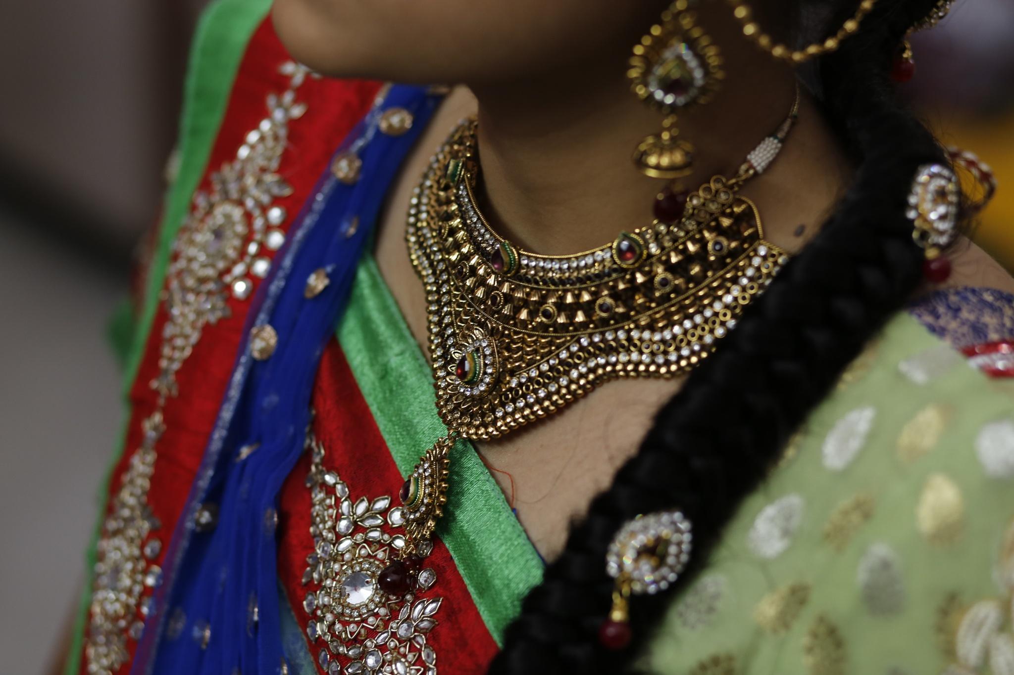wedding jewels by Dhruv Ashra