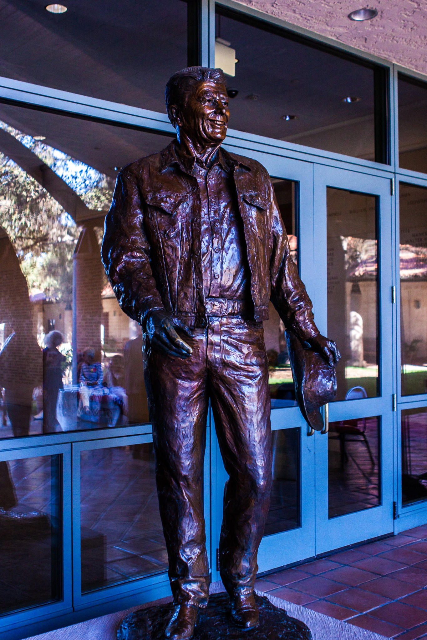 Statue of Pres. Reagan by BillBarnes