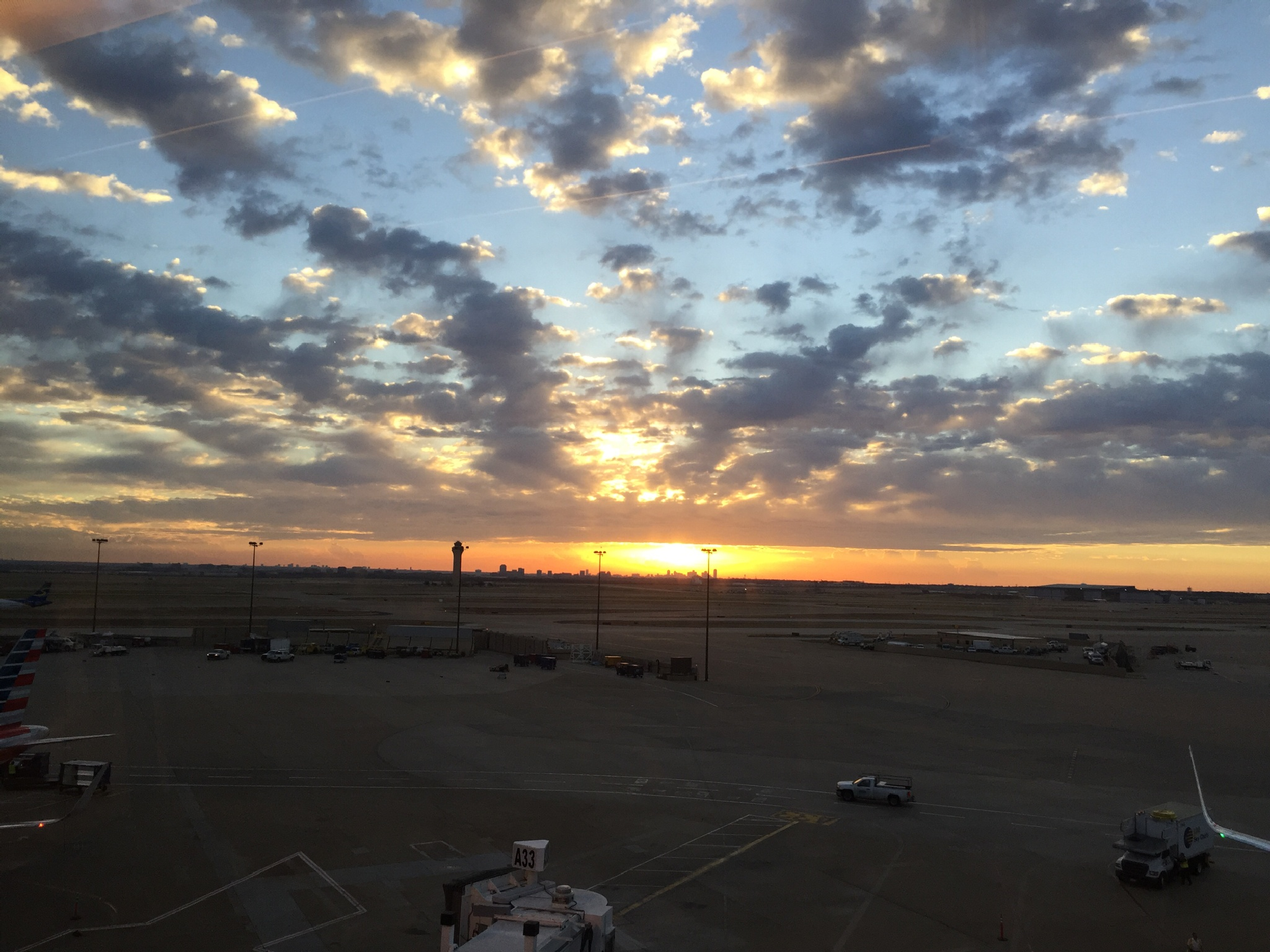 Sunrise @ DFW by Amir  Fajardo