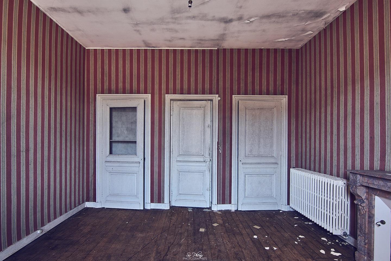 3 closed doors ? by SirPhenix