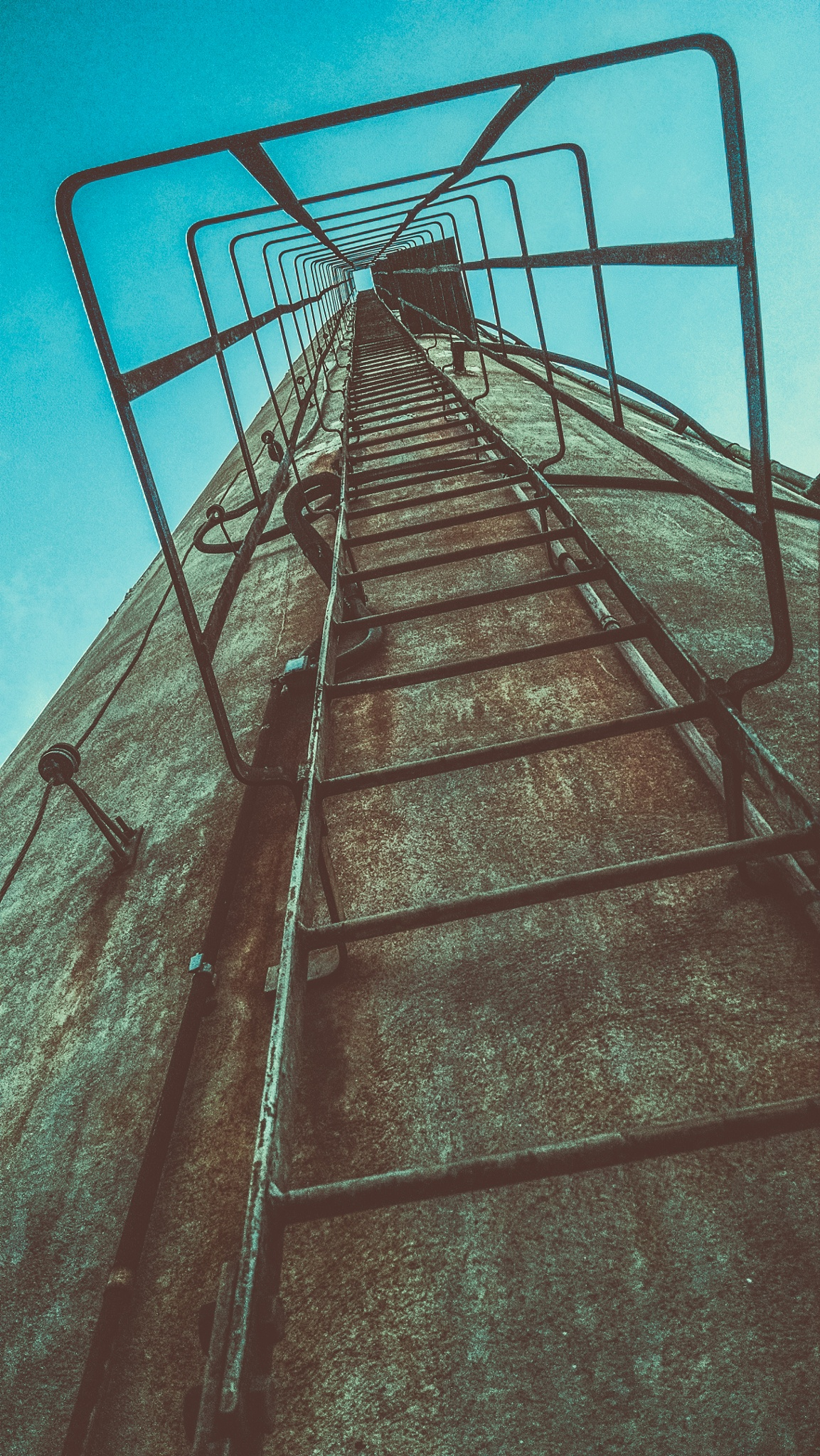 Up! by Anderson Viana